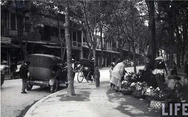 Một góc phố Hàng Khay.