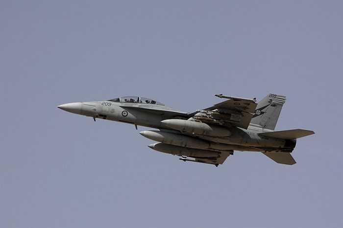 Chiến đấu cơ F/A-18F Super Hornet lên đường làm nhiệm vụ không kích IS ở Iraq