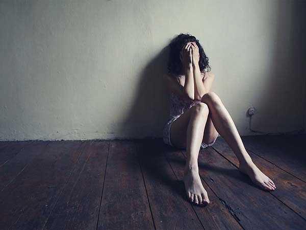 Trầm cảm: Trầm cảm và suy sụp tinh thần có thể làm cho bạn không tập trung và khó có thể nhớ lại bất cứ điều gì vì mải bận tâm đến những suy nghĩ tiêu cực.
