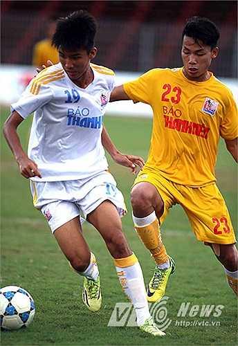 Khác với trận bán kết 1 giữa U21 SLNA và U21 SHB Đà Nẵng, trận bán kết 2 giữa U21 Hà Nội T&T và U21 Đồng Tháp diễn ra 'tẻ nhạt' hơn