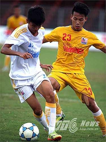 Đội bóng Thủ đô (áo vàng) chứng tỏ được sức mạnh vượt trội của mình
