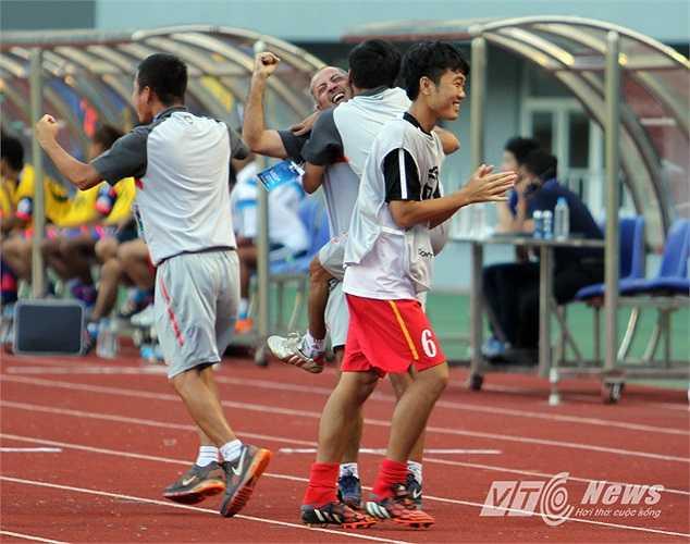 Có 1 điểm, cửa vào tứ kết của U19 Việt Nam vẫn còn rộng mở