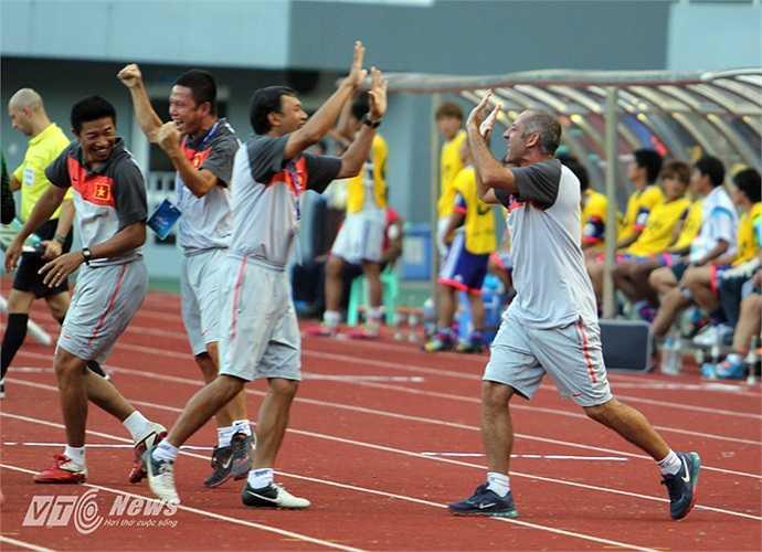 Đội đã trình diễn lối chơi chặt chẽ, nhiều cảm xúc và đầy tính chiến đấu