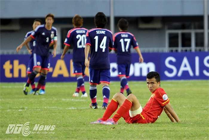 Còn đây là nỗi buồn của Hoàng Thanh Tùng - người ghi bàn thắng duy nhất cho U19 Việt Nam trận này.