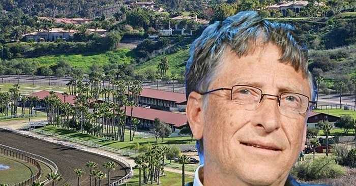 Trang trại này trước đây thuộc về chuyên gia giảm cân Jenny Craig, người được cho là có khối tài sản trị giá 30 triệu USD cách đây vài năm.Mới đây, Bill Gates đã mua lại trang trại này với giá 18 triệu USD.