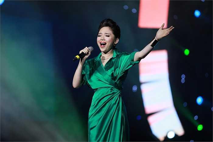 Hình ảnh mới của Tóc Tiên được nhiều khán giả yêu thích.