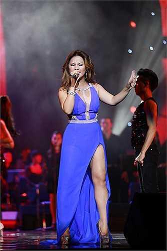 Cô cũng gửi lời cảm ơn khán giả vì đã ủng hộ cô trên con đường ca hát.