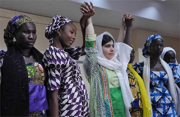 Nobel Hòa bình 2014 thuộc về nhà hoạt động Kailash Satyarthi của Ấn Độ và nữ sinh Malala Yousafzai của Pakistan vì những hoạt động cho trẻ em, thanh niên