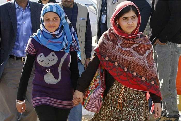 Nhà hoạt động Yousafzai nhận được sự quan tâm của dư luận sau khi cô bị phiến quân Taliban bắn vào đầu trong lúc đang nỗ lực vận động cho các trẻ em gái được đến trường