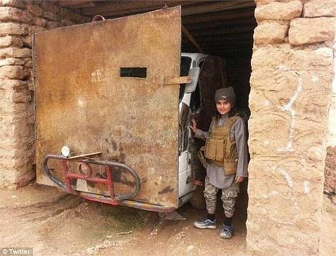 Abu Ubaidah được xem là chiến binh nhỏ tuổi nhất của tổ chức nhà nước Hồi giáo tự xưng IS