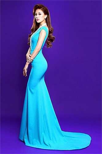 Hoa hậu Việt Nam 2006 vẫn đầy lôi cuốn trong mỗi shoot hình.