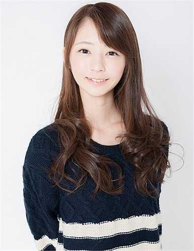 Shizuka đẹp dịu dàng khi xõa tóc