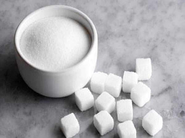 Thức ăn nhiều đường: Nếu lượng đường hấp thụ quá nhiều sẽ làm suy yếu khả năng miễn dịch của cơ thể, giảm khả năng kháng bệnh nên chị em sẽ dễ mắc bệnh.