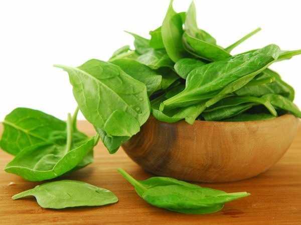 Rau bina là một siêu thực phẩm có nhiều chất dinh dưỡng lành mạnh, bao gồm cả vitamin K.