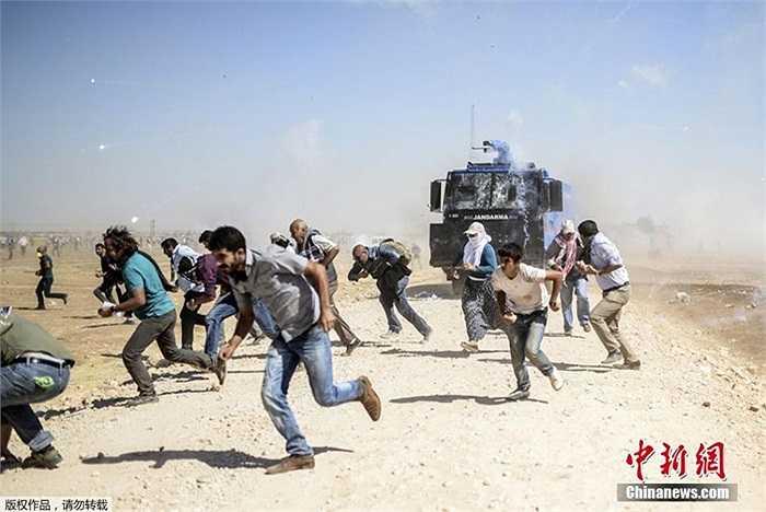 Những người tị nạn Kurd đòi vượt biên vào lãnh thổ Thổ Nhĩ Kỳ