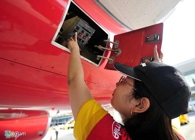 Hiện Trang là kỹ sư thuộc trung tâm bảo dưỡng ngoại trường Đà Nẵng của Hãng hàng không Vietjet Air. Cô cũng là nữ kỹ sư duy nhất tại Cảng vụ Hàng không Đà Nẵng và là một trong những trường hợp hiếm hoi làm công việc đảm bảo an toàn kỹ thuật cho các chuyến bay tại Việt Nam.