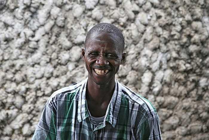 Nụ cười của một nạn nhân thoát được lưỡi hái tử thần của virus Ebola