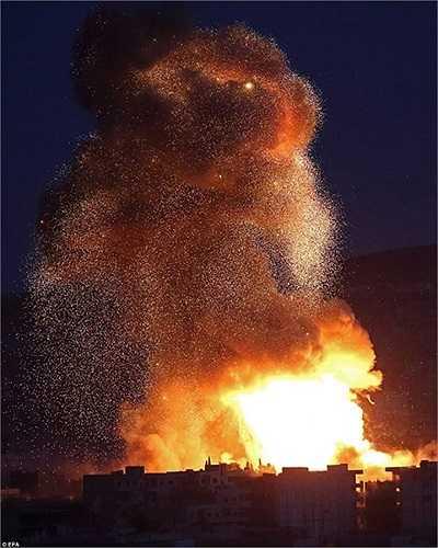 Một tên lửa của Mỹ phá hủy mục tiêu IS ở Kobani
