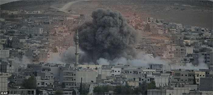 Những tòa nhà được cho là ngơi IS lẩn trốn trúng tên lửa của Mỹ