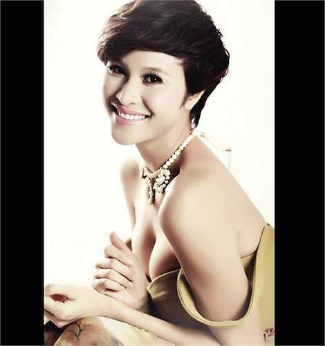 Người mẫu Phương Mai nhận được nhiều lời khen khi cắt phăng mái tóc dài