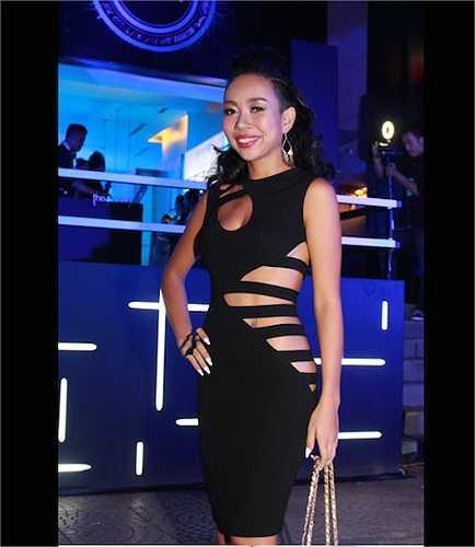 Không có chiều cao lý tưởng, song Thảo Trang lại có tỉ lệ cơ thể tuyệt đẹp