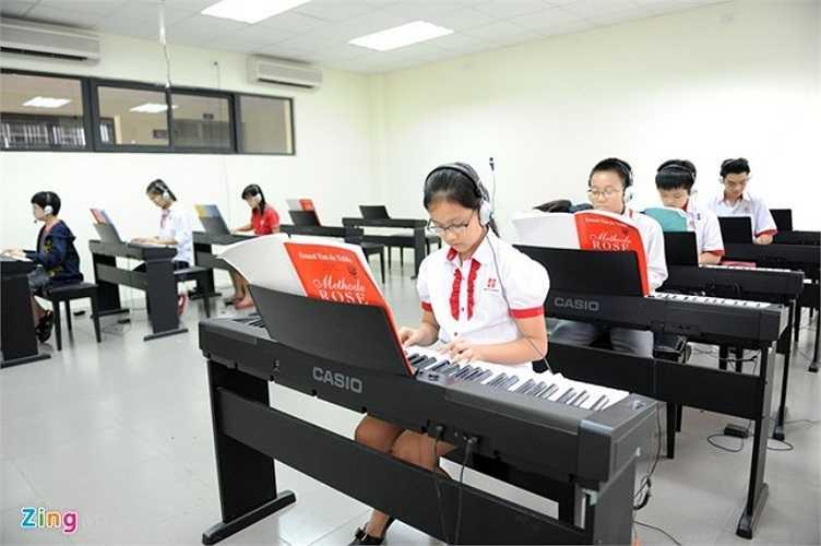 Lớp học đàn, hát được trang bị hiện đại