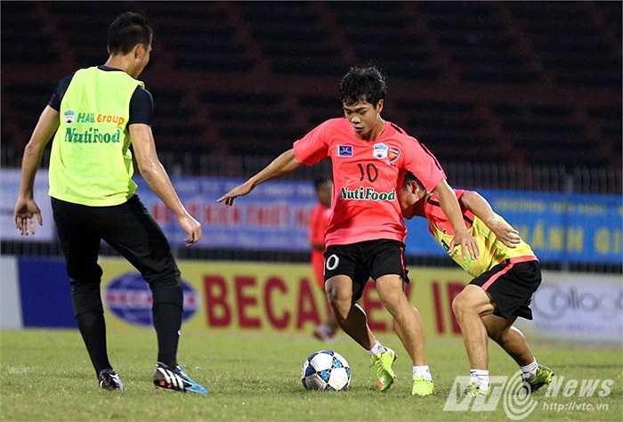 Ngày mai, U19 HAGL Arsenal JMG sẽ lần đầu tiên thi đấu một giải chính thức (Ảnh: Quang Minh)