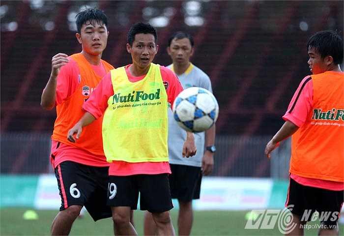 'U21 Việt Nam mạnh hơn về thể lực, thể hình nhưng họ kém chúng tôi về kỹ thuật' (Ảnh: Quang Minh)