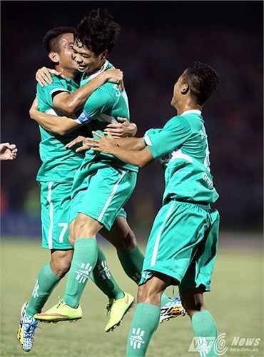 Thầy Giôm thừa nhận Hồng Duy có 80% tố chất chơi tốt ở vị trí tiền vệ trái (Ảnh: Quang Minh)