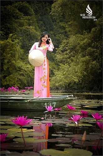 Chu Ngọc Châm (sinh 1993, Hà Nội), sở hữu chiều cao 1m64 và nụ cười tỏa nắng. Cô hiện đang học lớp 511403B ngành Quản trị văn phòng. Cô thích múa và sưu tập các loại mô hình xe hơi.