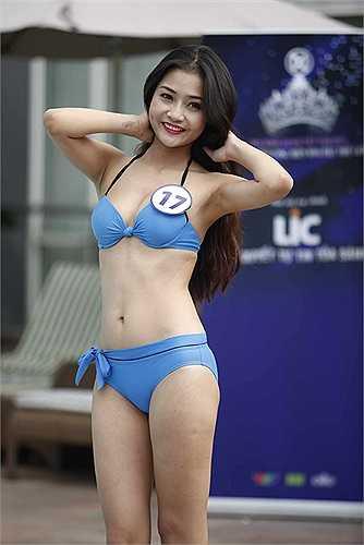 Các thí sinh Hoa khôi áo dài Việt Nam - Đường tới vương miện Hoa hậu thế giới khoe sắc trong trang phục bikini ở tập phát sóng đầu tiên.