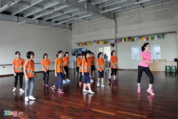 Lớp học aerobic với đội ngũ giáo viên chuyên nghiệp.