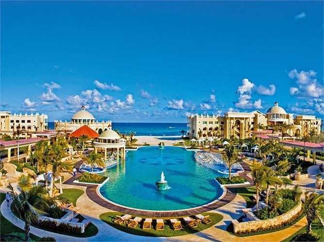 1. Iberostar Grand Hotel Paraiso - Playa Paraiso, Mexico: Đồ ăn, dịch vụ, những bãi biển tuyệt đẹp là điểm cộng của khu resort này. Du khách đặc biệt thích không gian đủ tĩnh lặng để thư giãn tuyệt đối, nhưng lại tràn đầy cảm hứng để không thấy nhàm chán.