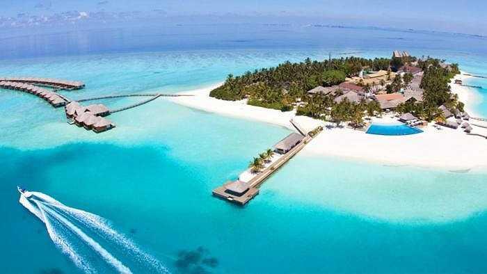 14. Kurumba Maldives - Vihamanafushi, North Male Atoll, Kaafu Atoll: Đây là một trong những viên đá quý hiếm, nơi bạn gần như chẳng thể tìm ra bất cứ sai sót nào. Dịch vụ là số 1, phong cảnh đẹp miễn chê.