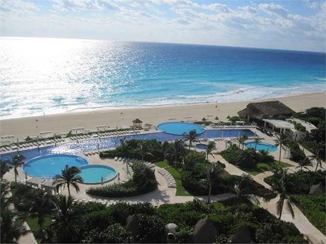 17. Live Aqua Cancun All Inclusive - Cancun, Mexico: Cảnh và người đều quá tuyệt vời.