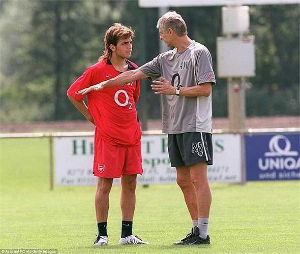 Tài năng trẻ Fabregas khi mới gia nhập Arsenal từ Barcelona