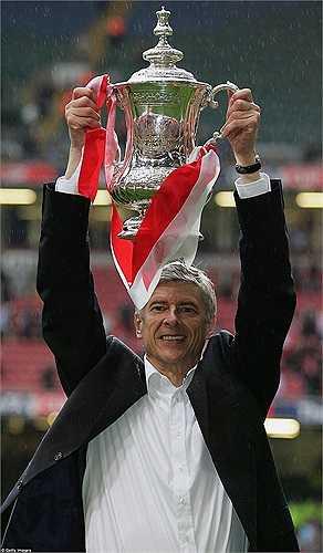 Chức vô địch FA cup 2005, cũng là sự khởi đầu cho chuỗi 8 năm liền trắng tay của Arsenal dưới thời Wenger