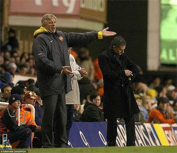 Tháng 12/2005, Wenger nhận thất bại 0-2 ngay tại Highbury trước Chelsea của Mourinho