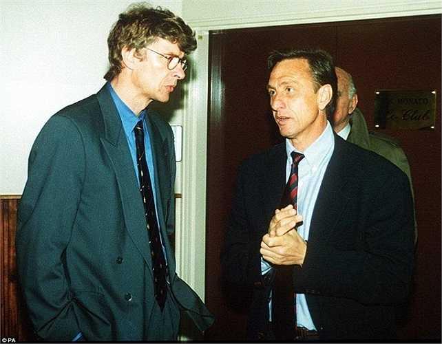Nói chuyện thân mật với Johan Cruyff trong trận chung kết WWorld Cup 1994 tại Mỹ