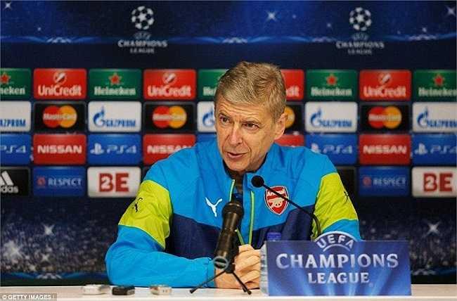 Trả lời phỏng vấn trước trận đấu với Anderlecht trong khuôn khổ Champions League 2014-15