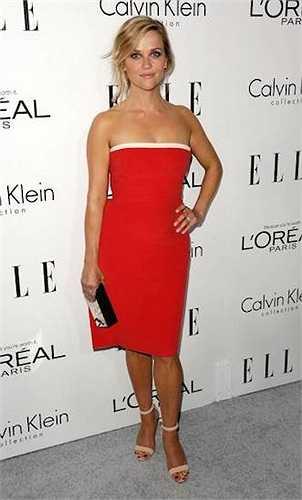 1m57 cũng là chiều cao của 'Luật sư tóc vàng' Reese Witherspoon.