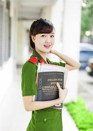 Ngoài học tập, Mai Thương còn là một mẫu teen nổi trội.