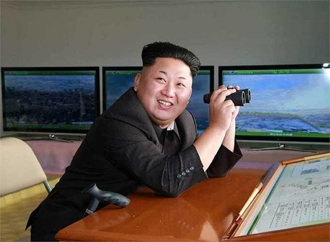 Hãng thông tấn Trung ương Triều Tiên KCNA hôm 24/10 đưa tin ông Kim Jong-un thị sát buổi huấn luyện chiến đấu của quân đội nước này