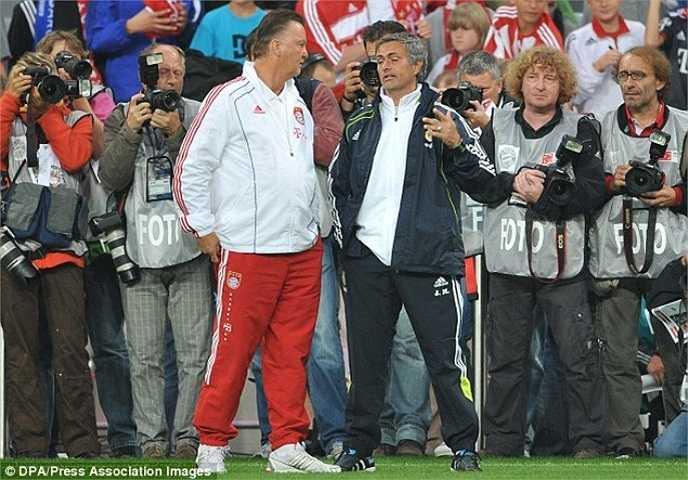 Tại CLB mới, Mourinho lại có dịp tái đấu Van Gaal trong một giải đấu giao hữu.