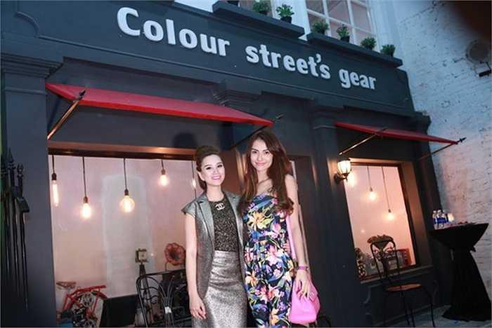 Tối qua Hồng Quế đã xuất hiện tại phim trường Colour Street với tư cách khách mời.