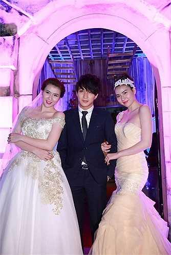 Trong sự kiện tối qua còn có sự xuất hiện của hot boy Bê Trần và cặp người mẫu song sinh Huyền Thư - Thư Huyền.
