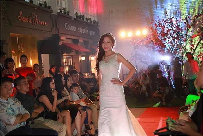 Một số hình ảnh trình diễn thời trang cưới tại phim trường Colour Street: