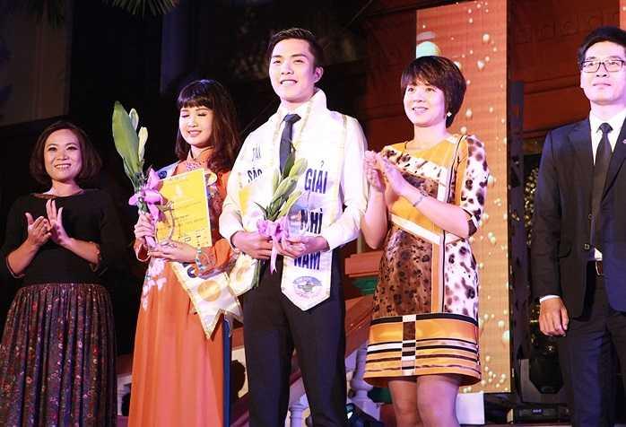 Hai giải Nhì thuộc về thí sinh Nguyễn Duy Anh (SBD 038) và Nguyễn Quỳnh Anh (SBD 018).