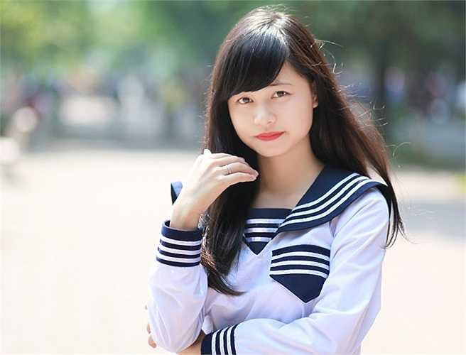 Thời gian rảnh rỗi, Quỳnh Trần cùng bạn bè hay đi chụp ảnh lang thang, để tạo sự thoải mái và niềm vui sau những giờ học căng thẳng ở trường.