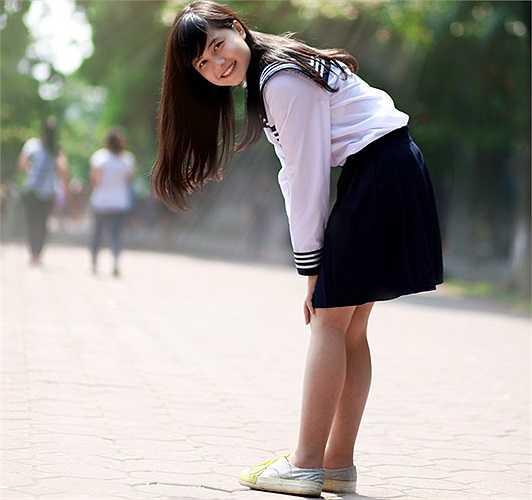 Cô sở hữu vẻ ngoài xinh xắn. Sau khi hình ảnh của Quỳnh Trần được lan truyền trên mạng, cô nhận được nhiều lời mời kết bạn cũng như lượt người theo dõi tăng lên.